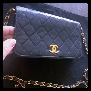 Vintage Chanel Single Flap Gold Chain Gorge